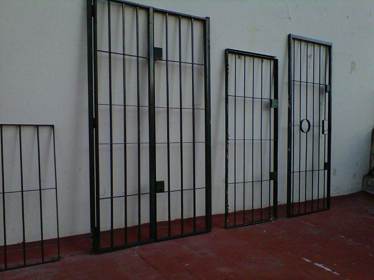 Puertas de exterior de hierro ideas de disenos for Puertas hierro exterior